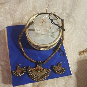 Hand painted necklace set New